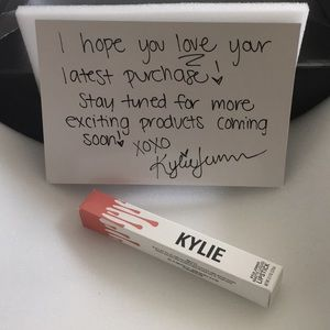 Kylie Cosmetics Liquid Lipstick - Dirty Peach
